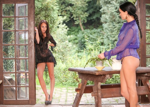 El Storm, Adel Sunshine - A Touch Of Nature - Lesbian Porn Gallery