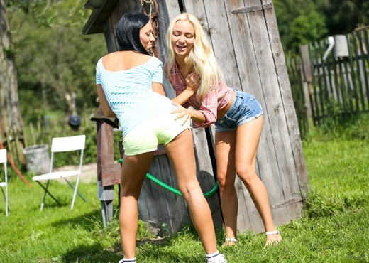 Bailey Ryder, Victoria Puppy - Girls Experimenting - Lesbian Image Gallery