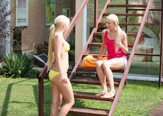 Lindsey Olsen, Angie Koks - Girls Experimenting - Lesbian Hot Gallery