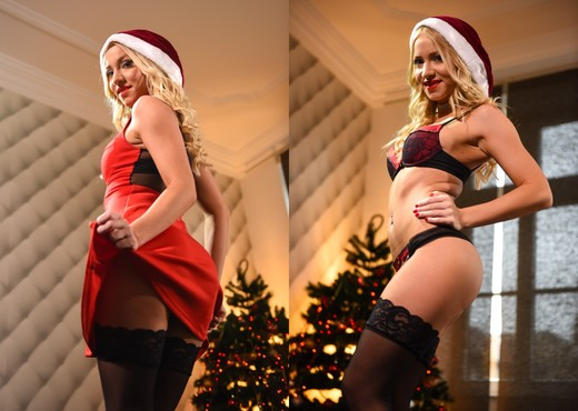 Kiara Lord, Totti - Kendo's Merry Christmas - Hardcore Sexy Photo Gallery