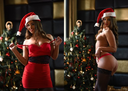 Amirah Adara, Matt Bird - Kendo's Merry Christmas - Hardcore HD Gallery