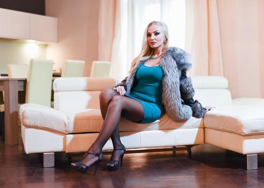 Kayla Green, Fanda - Explicit MILF - Hardcore Sexy Gallery