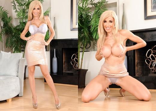 Evita Pozzi - Big Titty MILFS #21 - MILF Sexy Gallery