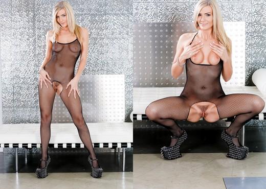 Amanda Tate - Bush League #03 - Hardcore Sexy Gallery