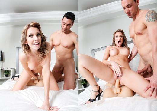 Courtney Cummz - Fuck Me Silly - Toys Sexy Photo Gallery