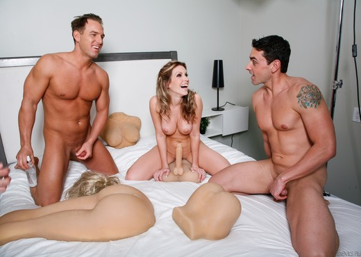 Courtney Cummz - Fuck Me Silly - Toys TGP
