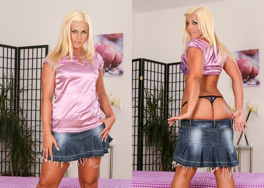 Janet Magical - Me And My Sybian - Toys HD Gallery