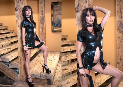 Erika Heaven, Vanessa Gold, Angie B - Fetish Dolls #04 - BDSM Picture Gallery