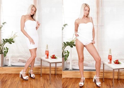 Jessie Jazz, David A - Amazing Tits - Hardcore Porn Gallery