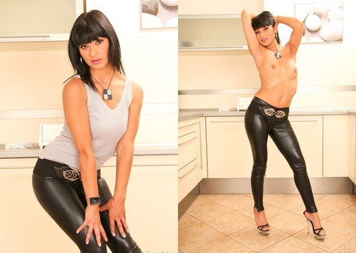 Tera Joy - Spermbanks #12 - Blowjob Nude Pics