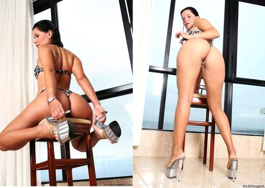 Bianca C - Made In Brazil #03 - Hardcore Sexy Photo Gallery