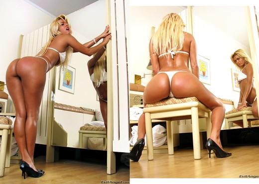 Talita Brandao - Made In Brazil #03 - Anal HD Gallery