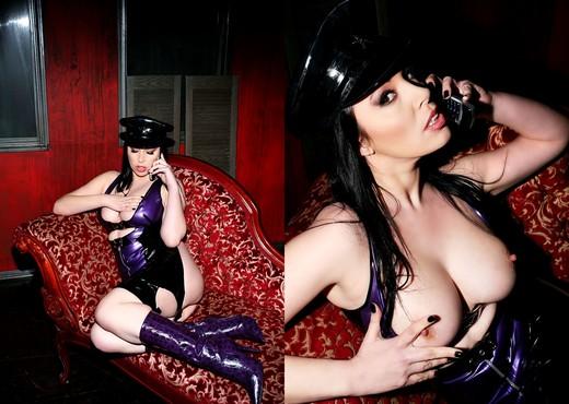 Anastasia Pierce, Cecilia Vega - Bitchcraft #06 - Lesbian Nude Gallery