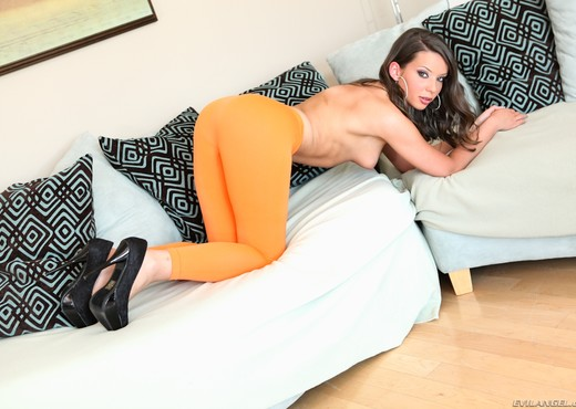 Sally Charles - Spandex Loads #03 - Ass Nude Gallery