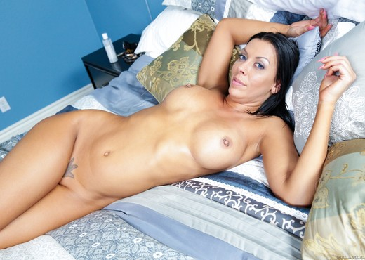 Rachel Starr, Kevin Moore - Tanlines #03 - Hardcore Nude Pics
