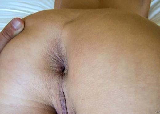 Chastity Lynn - Raw #12 - Anal Nude Gallery