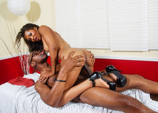 Cali Sweets - The Black Pack - Ebony HD Gallery
