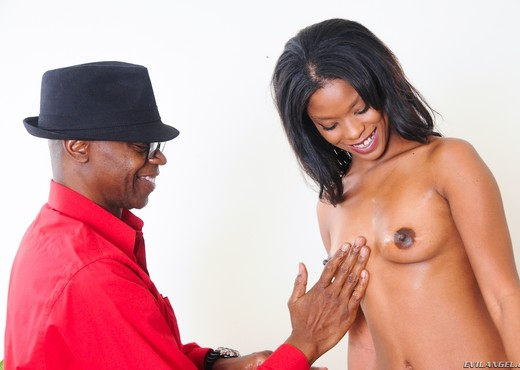 Ashlynn Sixxx - Black Diamonds #02 - Ebony HD Gallery