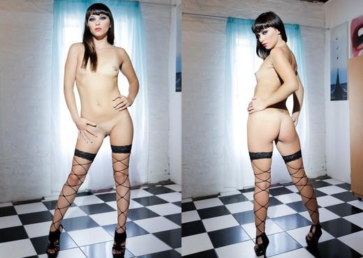Alysa - One - Solo Nude Gallery