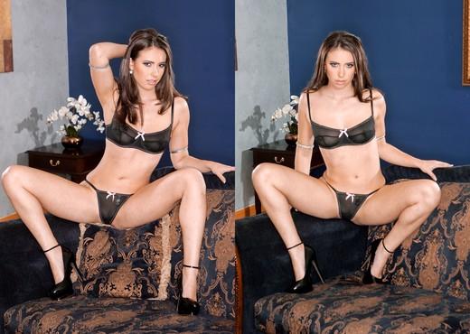Casey Calvert - Deep Pussy - Hardcore Sexy Photo Gallery