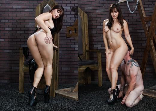 Lea Lexis - Facesitting Tales #04 - Ass Porn Gallery