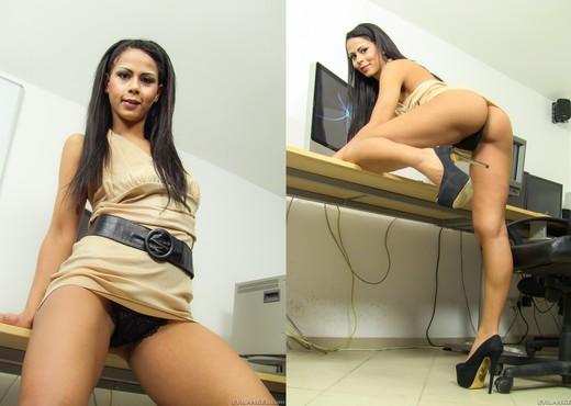 Izabella Christyn - Blow Me Off #02 - Blowjob TGP