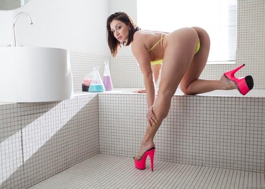 Gabriella Paltrova, Lea Lexis - Fetish Fanatic #13 - Ass Porn Gallery