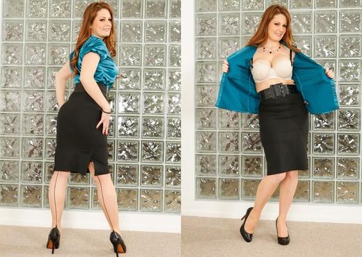 Allison Moore - MILF Gape #03 - MILF Sexy Gallery