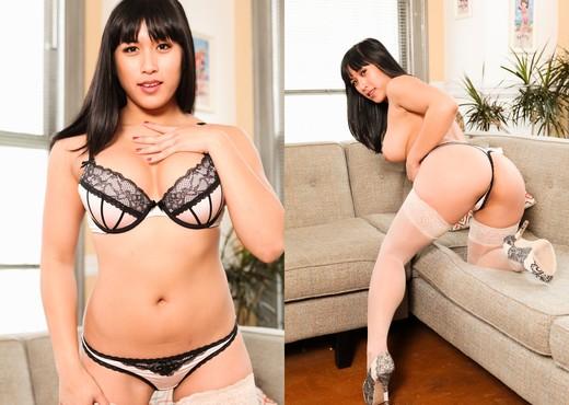 Mia Li - Masochistic Masturbation - Toys Nude Pics