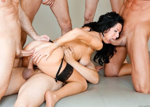 Veronica Avluv - LeWood Gangbang: Battle Of The MILFs - Hardcore Image Gallery