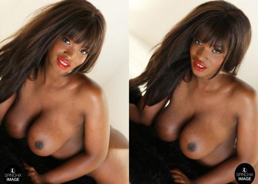 Nicole's looking sexy on her soft rug - Spinchix - Ebony Sexy Gallery