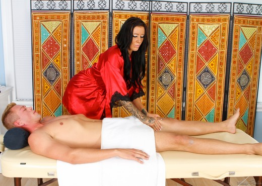 Austin Lynn, Jamie Stone - Surfer's Knots - Fantasy Massage - Hardcore Sexy Gallery