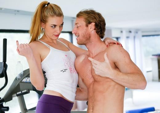 Keira Nicole - He Hurt His Back - Fantasy Massage - Hardcore HD Gallery
