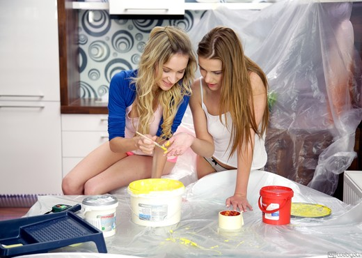 Angel Piaff, Alexis Crystal - Lazy Painters - Girlsway - Lesbian HD Gallery