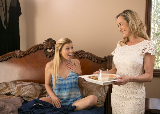 Tara Morgan, Brandi Love - A Show Of Faith - Girlsway - Lesbian Sexy Gallery