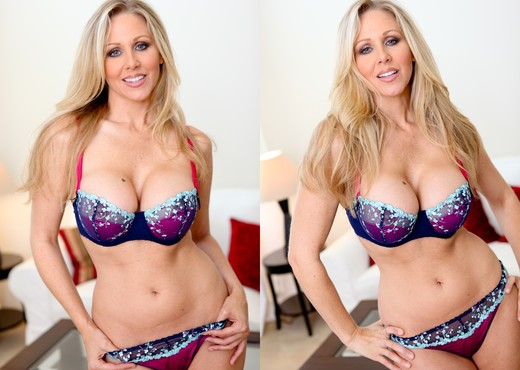 Ann Marie Rios, Julia Ann - Legends and Starlets Volume 04 - Lesbian Hot Gallery