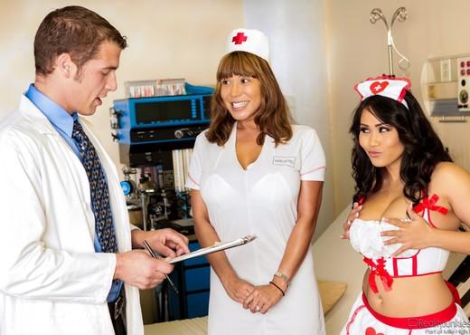 Jessica Bangkok, Chris Johnnson - Big Breast Nurses #04 - Hardcore Hot Gallery