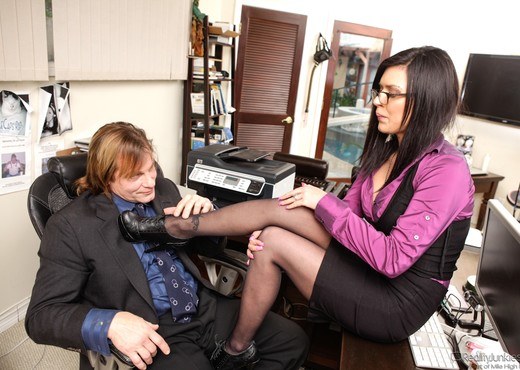 Eva Angelina - Filthy Family Volume 06 - Hardcore Hot Gallery