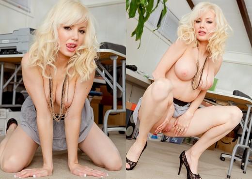 Margo Russo - Mom's Cuckold #09 - Hardcore Sexy Gallery