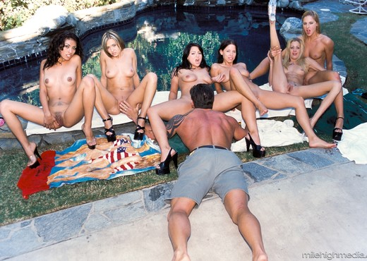 1 Lucky Dick In Multiple Chicks - Hardcore Hot Gallery