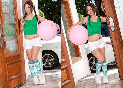 Mika Sparx - A Kinky Neighbor #03 - Hardcore Hot Gallery