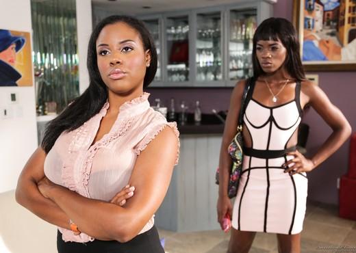 Ana Foxxx, Alia Starr - Lesbian Beauties #11 - All Black - Lesbian Hot Gallery