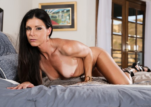 India Summer, Veronica Avluv - The Swinger #04 - Hardcore Sexy Gallery