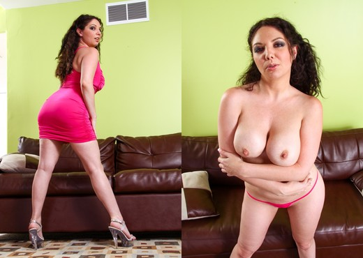 Kiki Daire - Bored Housewives #06 - Hardcore Nude Pics