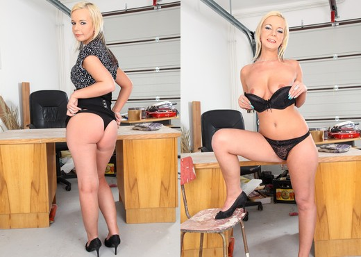 Alex - Bored Housewives #06 - Hardcore Sexy Photo Gallery