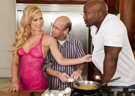 Cherie DeVille - Mom's Cuckold #15 - Interracial TGP