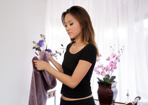 Alina Li - The Masseuse #07 - Hardcore Sexy Photo Gallery