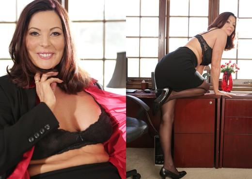 Hot mature American pornstar Magdalene St Michaels clothed in long dress № 778749 бесплатно