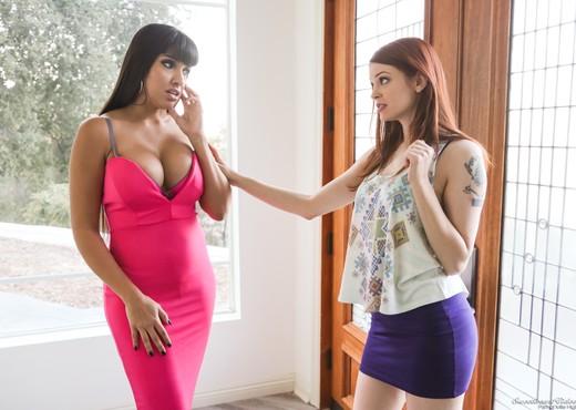 Bree Daniels, Mercedes Carrera - Trust me, I'm a lesbian! - Lesbian Picture Gallery