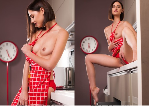 Kitchen Apprentice - Sabrina G. - Solo Sexy Gallery